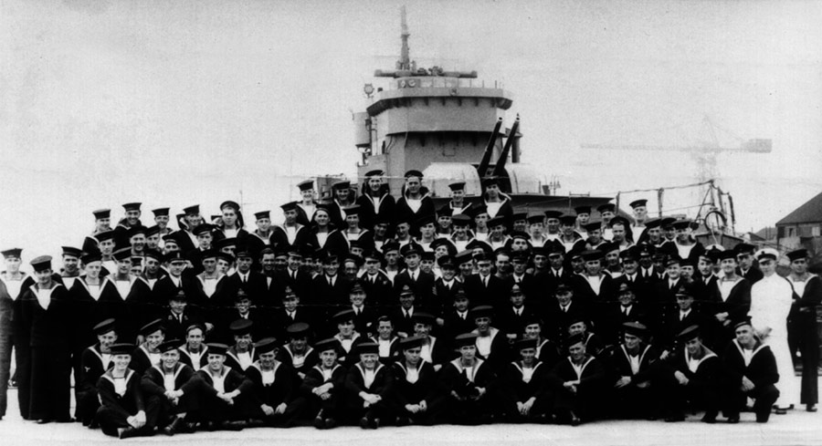 The ship's company  of HMS Vimiera, Rosyth 1940