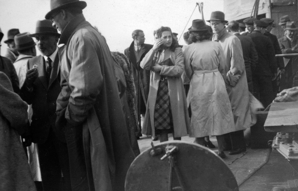 Dutch refugees aboard HMS Venomous, May 15 1940